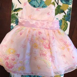 Pretty pink floral dress! 🌼👧🏼